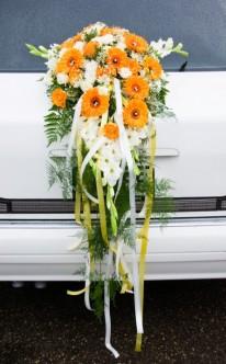 Autoschmuck in Orange und Grün