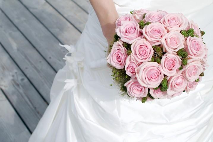 Brautstrauß im Biedermeierstil