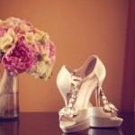 Elegante Brautschuhe mit Strasssteinen