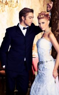 Hochzeitspaar mit Designerkleidung