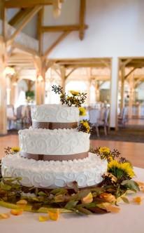 Hochzeitstorte mit guter Laune