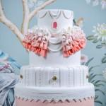 Hochzeitstorte in viktorianischem Stil dekoriert