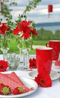 Sommerliche Tischdekoration