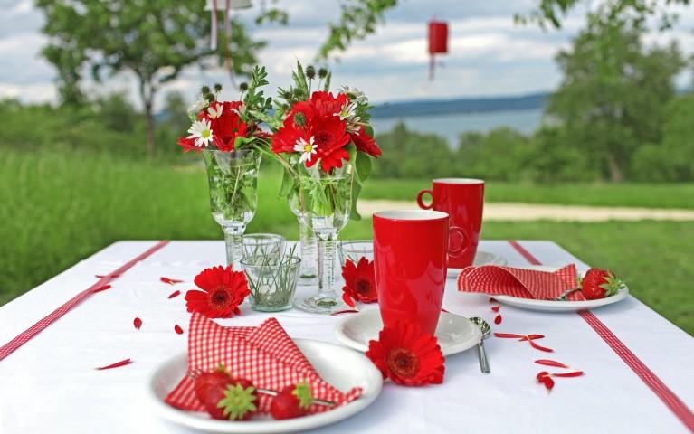 Tischdekoration zur hochzeit sch ne ideen f r die - Sommerliche tischdekoration ...