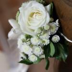 Deko und Blumen für die Kirche