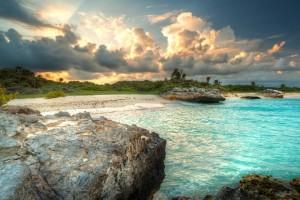 Wilder Strand der Karibik