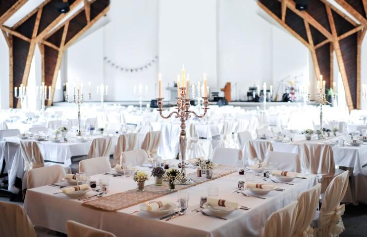 Hochzeitssaal in einer Scheune