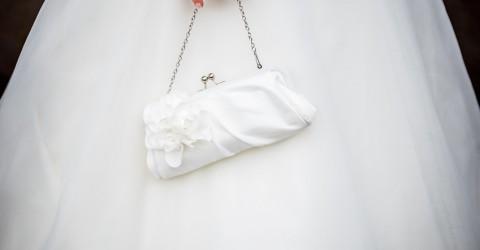 Die Handtasche einer Braut – unverzichtbare Helfer