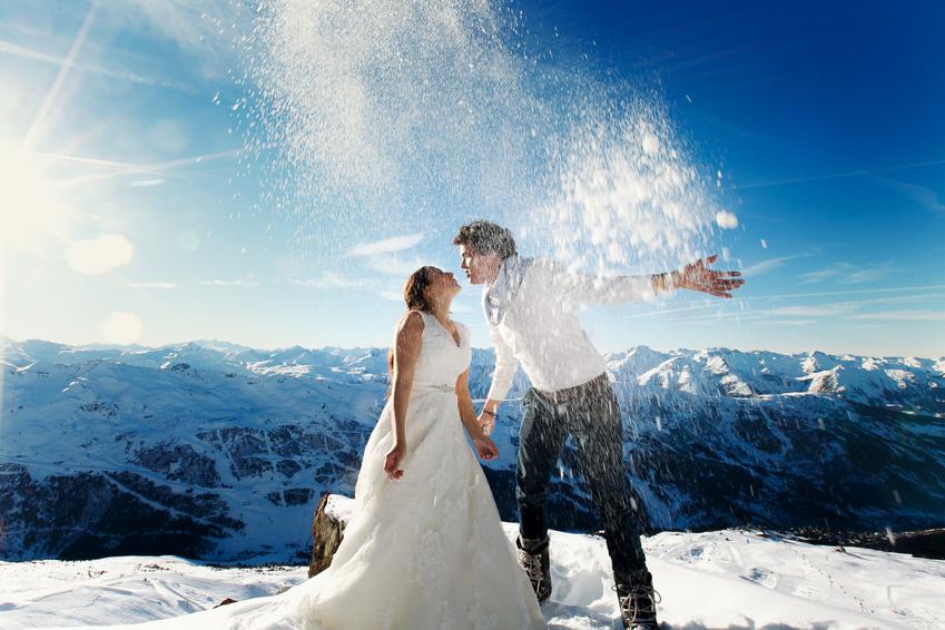 Winterhochzeit: Heiraten im Winter mit Schnee