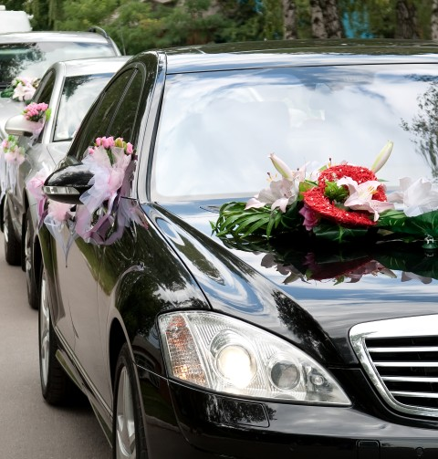 Autoschmuck Hochzeit Wie Man Autoschleifen Und Blumen In Szene Setzt