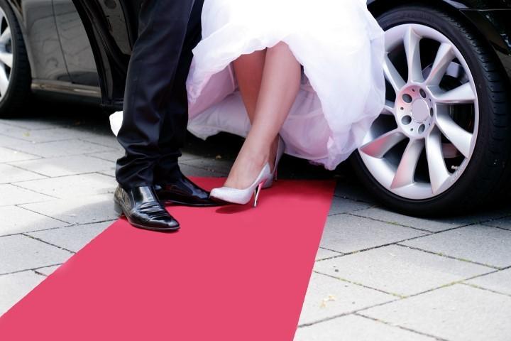 Brautpaar roter Teppich