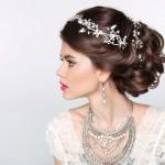 Ein harmonischer Auftritt mit den passenden Accessoires zum Brautkleid