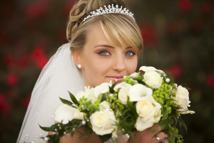 Heiraten mit Diadem: Die perfekte Ergänzung zum Schleier - Hochzeit.com
