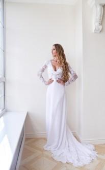 Empire-Brautkleid mit zauberhafter Spitze