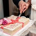 Hochzeitstorte selber backen: Tipps und Tricks
