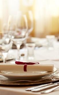 Tischdekoration mit Menükarten
