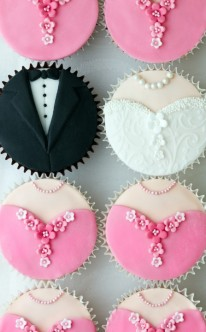cupcakes muffins sch ne dessert ideen f r die hochzeit. Black Bedroom Furniture Sets. Home Design Ideas