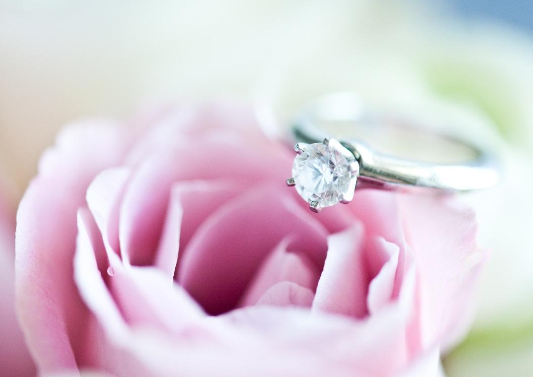 diamantring luxus verlobungsring mit diamanten brillianten. Black Bedroom Furniture Sets. Home Design Ideas