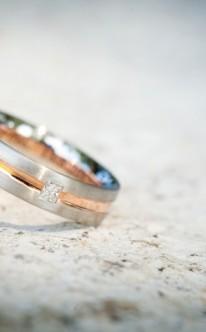 Verlobungsring aus Gold oder Silber