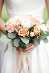 Brautstrauss Vintage Rose mit Grün