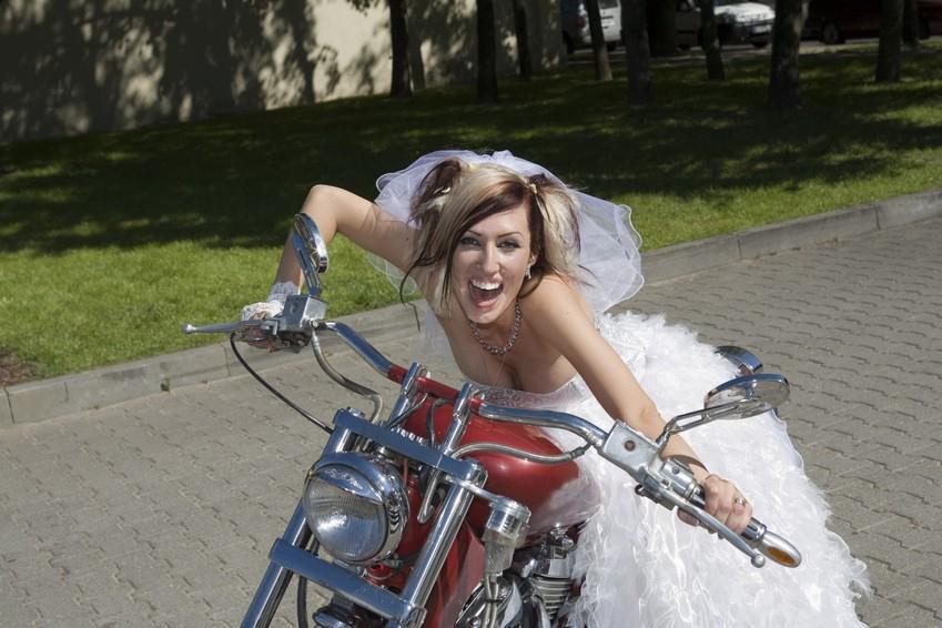 Bikerhochzeit Feiern Ideen Fur Ein Rockiges Ambiente Hochzeit Com