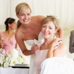 Mode für die Brautmutter: Schlicht und stilvoll auftreten