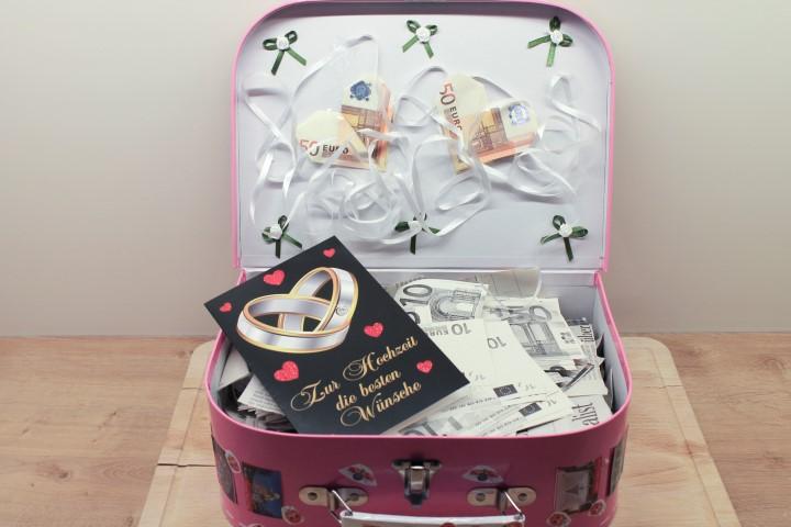 hochzeitsgeschenk ein reisekoffer voll geld. Black Bedroom Furniture Sets. Home Design Ideas