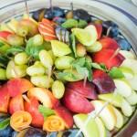 Obst Snack unter Glasglocke