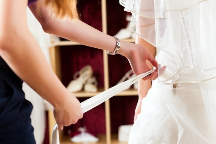 Brautkleid-Recycling: Heiraten im Kleid der Mutter - Hochzeit.com