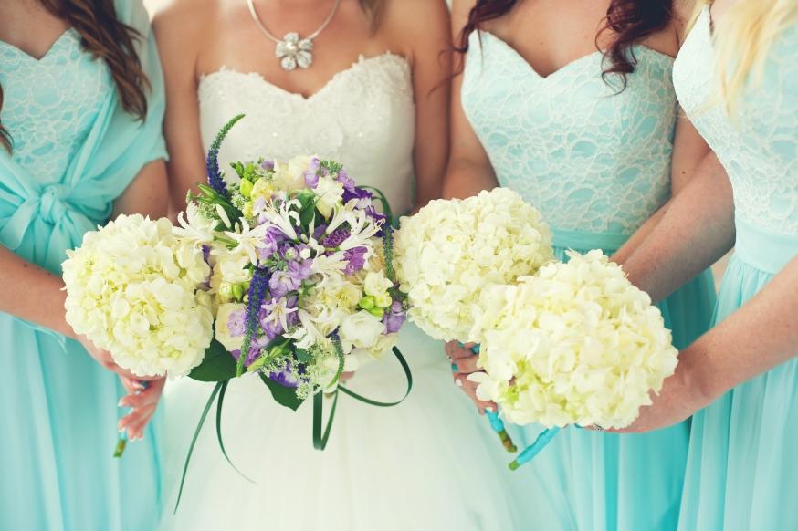Hochzeitsoutfit Mit Farbe Akzente Setzen