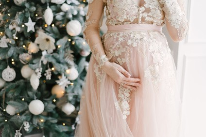 Kleid für schwangere Braut mit Babybauch