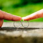 An welche Hand kommt der Ehering?