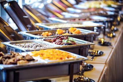 hochzeit-speisen-buffet