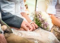 """Hochzeitsmotto """"Tracht und Tradition"""": Heiraten im Dirndl ist angesagt"""