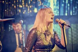 Unsere charismatische Sängerin