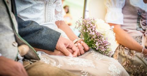 Das Brautdirndl: Wichtige Tipps zur Heirat in Tracht